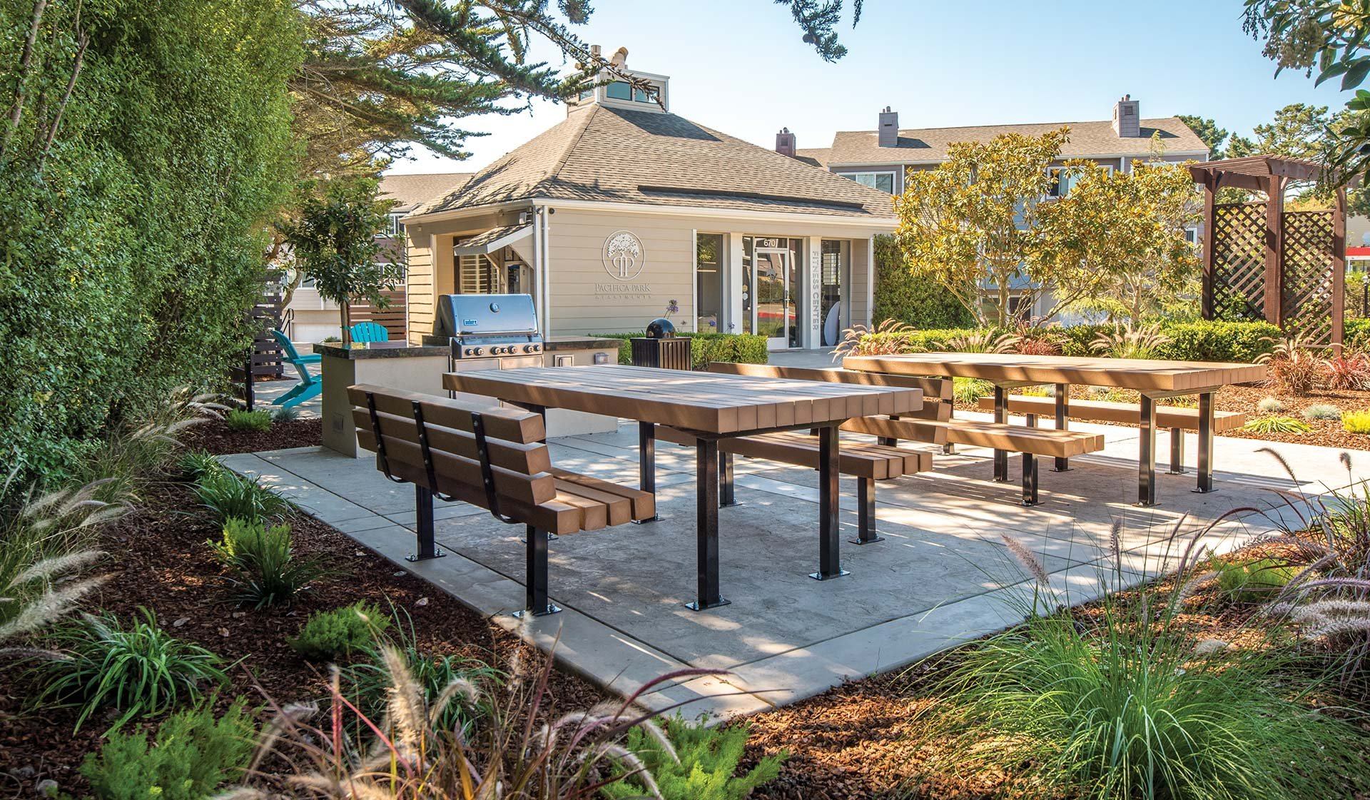 Pacifica Park Apartments - Outdoor Tables - Pacifica, CA